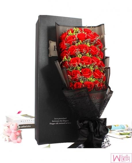 满天星+33朵红玫瑰香皂永生花礼盒