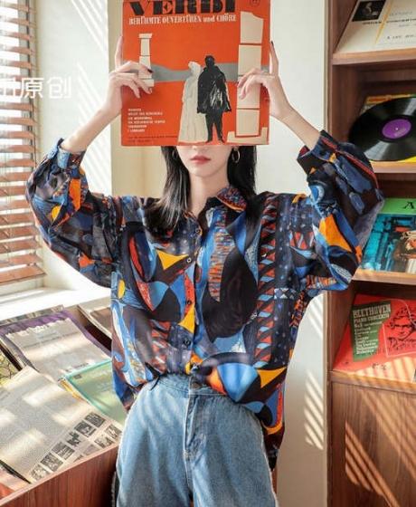 Designer style loose vintage Hongkong style chic long sleeve top shirt, 花田原创新款花衬衫